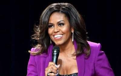 Michelle Obama a adoré la version anglo de mon livre Sorties de Zone et elle en fait même la promo! Merci Michelle! ;)